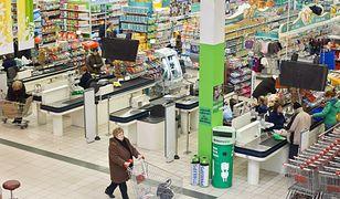 Zakupowa opowieść wigilijna. Sprzedawca kanapek i ochroniarz o Polakach w święta