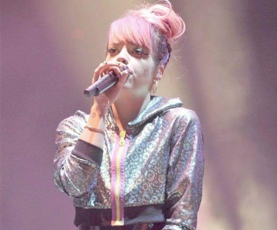 Lily Allen promuje swoją płytę w nietypowy sposób. Pokazała zdjęcie swoich miejsc intymnych