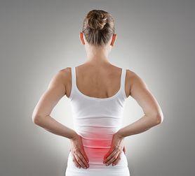 Objawy kamicy nerkowej - kolka nerkowa, problemy z oddawaniem moczu, inne symptomy