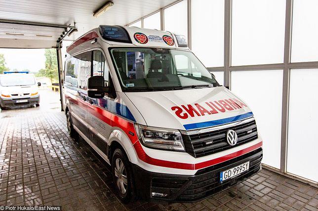 Wrocław. Pacjenci w karetkach czekali po 8 godzin na przyjęcie do szpitala