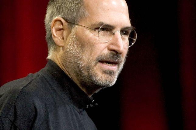 """""""Nadgryzione jabłko"""" to wspomnienia partnerki Steve'a Jobsa, matki jego pierwszego dziecka"""