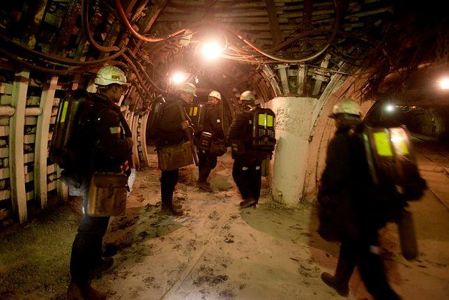 Wstrząs w kopalni Bielszowice. 9 górników zostało rannych, jeden zmarł