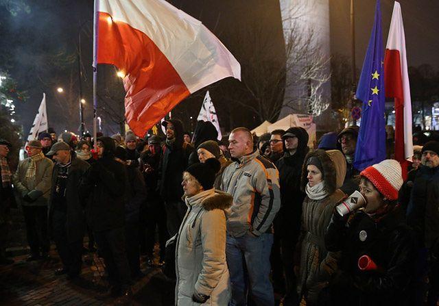Interwencja policji przed Sejmem - zdjęcia