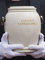 Urna z prochami Zapasiewicza