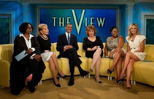 Obama z blond pięknością w talk show - zdjęcia