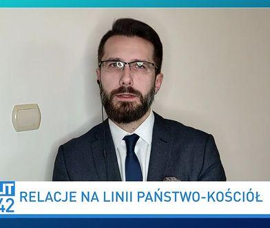 """60 mln dla Tadeusza Rydzyka. Radosław Fogiel nie widzi """"nic złego"""""""