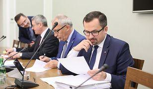 Nieobecność przesłuchiwanego nie przeszkodziła komisji spotkać się w sejmie w środę rano