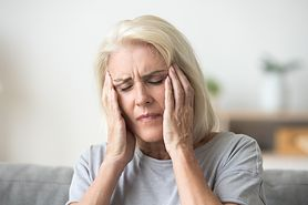 Ból głowy w skroniach – co oznacza, ból jednostronny, inne przyczyny bólu, leczenie