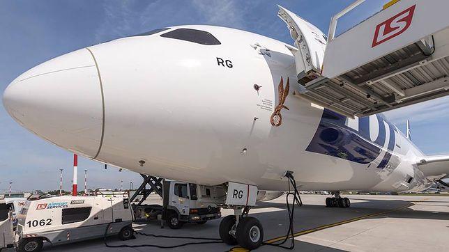 Najnowszy dreamliner LOT-u upamiętni cichociemnych, czyli spadochroniarzy AK