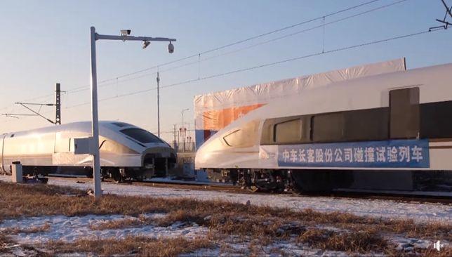 Imponujący test zderzenia pociągów. Chińczycy wykorzystali niezwykłą technikę