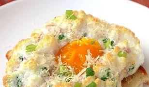Jajka na chmurce. Przepyszny patent na śniadanie