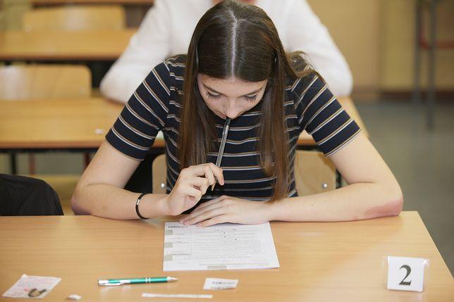 Egzamin gimnazjalny 2018. Arkusze testów z biologii, chemii, fizyki, geografii i matematyki