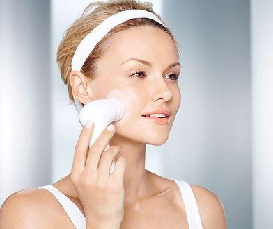 Szczoteczka oczyści skórę dokładniej
