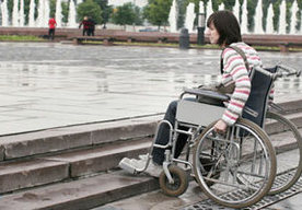 Do tej pory niepełnosprawni mieli problemy z barierami architektonicznymi w mieście. To się zmieni?