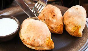 Pieczone pierogi z kurkami i cebulką