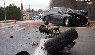 Rybnik. Rozbite BMW po wypadku, w którym ucierpiała czteroosobowa rodzina