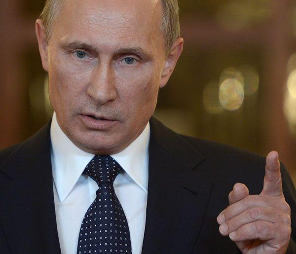 """Rosyjski konwój zbliża się do granicy. """"Putin chce postraszyć Zachód"""""""