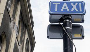 Warszawa. Pobili taksówkarza, a potem się bawili. Usłyszeli zarzuty