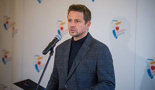 Wszystkich Świętych. Rafał Trzaskowski apeluje do premiera