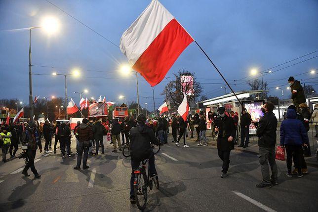 Warszawa. Największe straty są w infrastrukturze drogowej