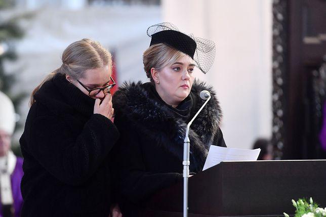Uroczystości pogrzebowe Pawła Adamowicza. Prezydenta żegna córka Antonina i żona Magdalena.