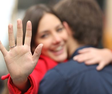 To, co niektórzy mogą nazwać wymarzonym pierścionkiem, inni nazwali dwoma spinaczami
