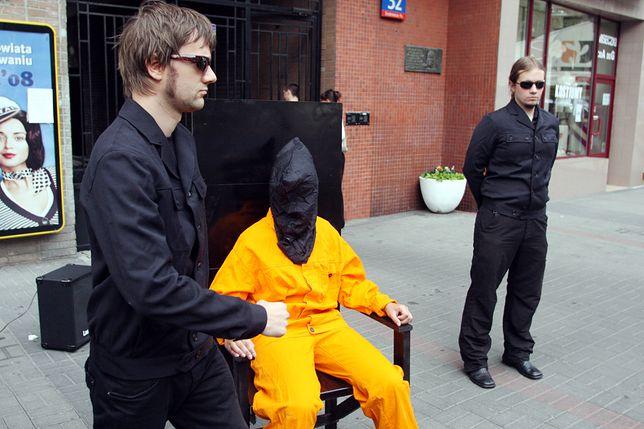 Happening przeciwko karze śmierci w Warszawie