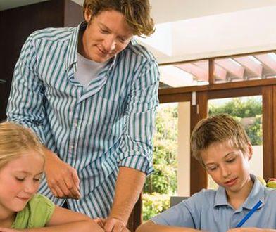 Praca rodziców kontra plan lekcji dzieci