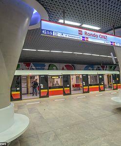 Warszawa. Wypadek na stacji metra Rondo ONZ. Mężczyzna zsunął się z peronu