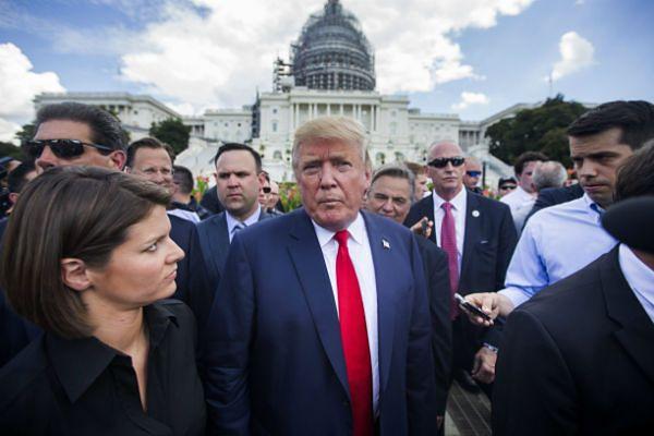 Trump na demonstracji pod Kapitolem agitował przeciwko umowie z Iranem