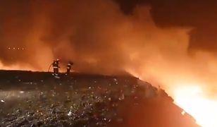 Z pożarem wysypiska w Jastrzębiu-Zdroju walczyło ponad 100 strażaków
