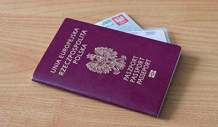Ben podróżował z naderwanym paszportem