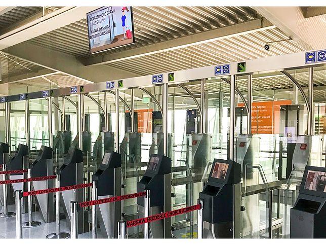 Bramki biometryczne na Lotnisku Chopina.