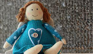 Do najpopularniejszych zabawek dla dziewczynek należą oczywiście lalki - warto sięgnąć również po miękkie lalki, które mogą sprawdzić się jako ulubione maskotki