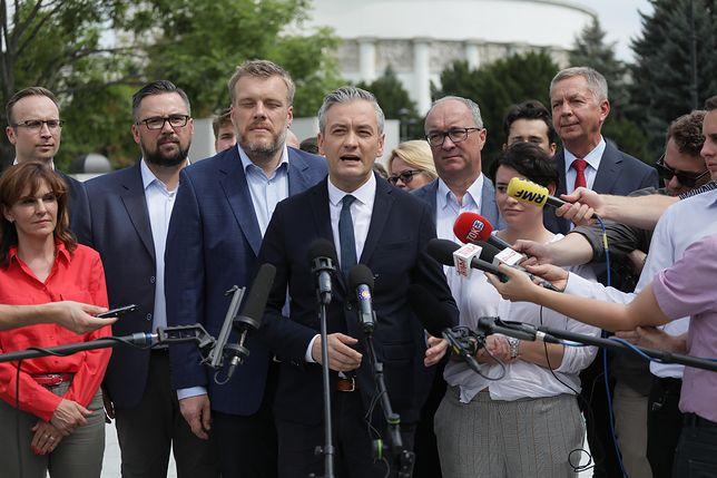 """Wybory parlamentarne 2019. Lewica dopięła porozumienie. Znamy """"jedynki"""" list"""
