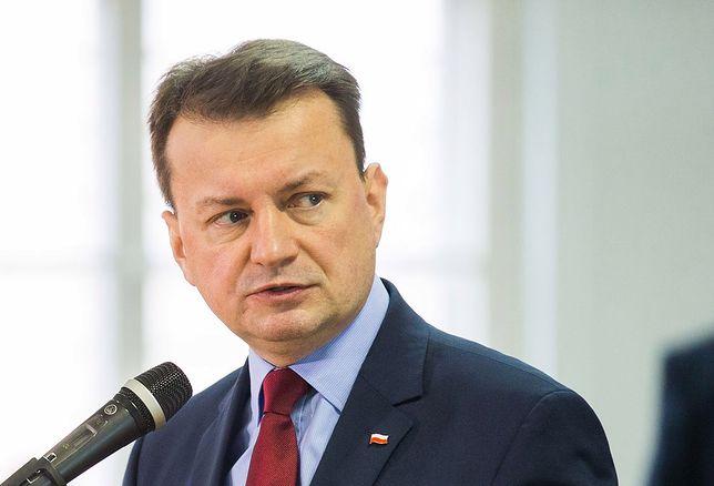 Zwłoki 20-latki znalezione w wersalce, podejrzany na wolności. Minister Błaszczak zleca osobisty nadzór
