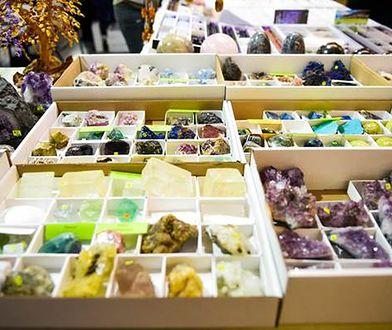 Targi to także gratka dla osób, które lubią biżuterię z kamieni szlachetnych i kamienne ozdoby.