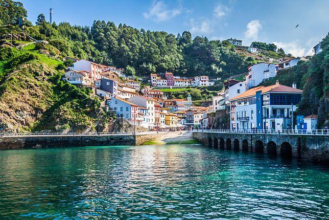 Cudillero to urokliwe miasteczko w regionie Asturia