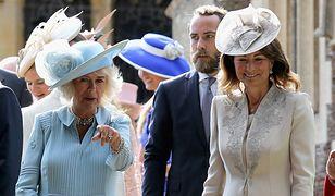 Carol Middleton z księżną Camillą i swoim synem Michaelem na chrzcinach księcia Louisa