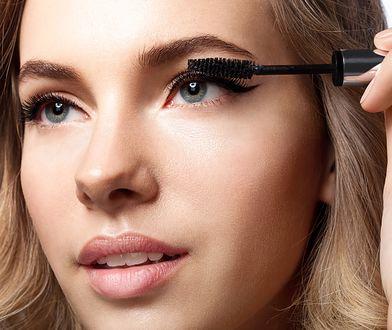 Długie i mocne rzęsy to podstawa makijażu