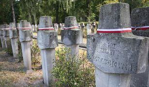 Warszawa. Rząd chce dekomunizacji cmentarza na Powązkach
