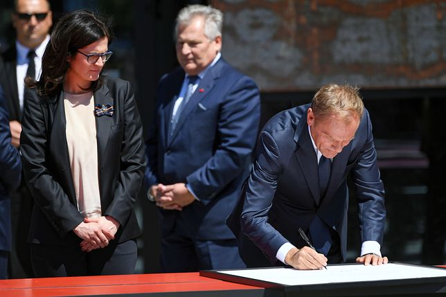 Gdańsk. Obchody 4 czerwca. Byli prezydenci i Donald Tusk podpisali deklarację