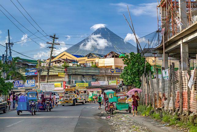 Pod ciemną skórą Filipin. Zajrzyj pod podszewkę turystycznego raju