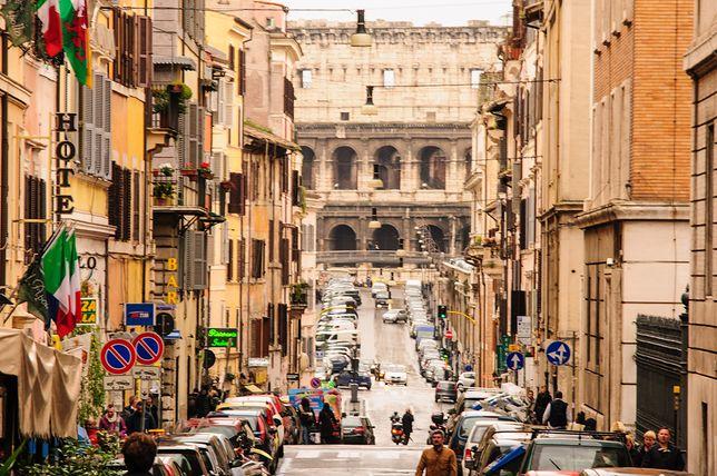 Tłumy w Rzymie mogą zniknąć przez anulowane loty z Chin