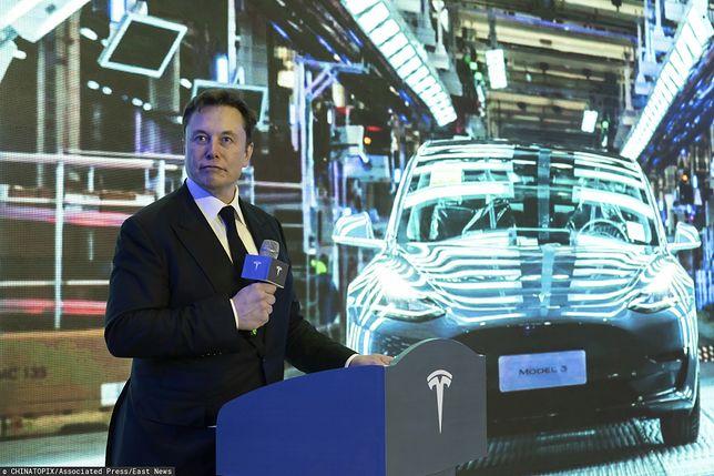 Elon Musk przekazuje darmowe respiratory.