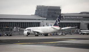 Warszawa. Lotnisko Chopina. 97,4 proc. mniej pasażerów niż rok temu