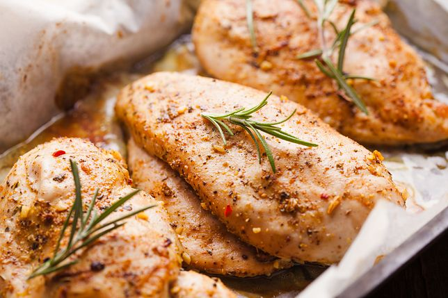 Pięć pomysłów na obiad z piersią kurczaka w roli głównej