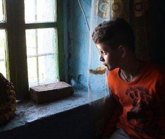 """Okrutne """"zwyczaje"""", przez które cierpią dzieci na całym świecie"""