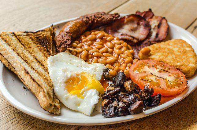 Londyn  i tradycyjne śniadanie angielskie