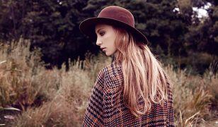 Płaszcze, swetry, kapelusze - bez tych ciepłych ubrań jesień może nam dokuczyć